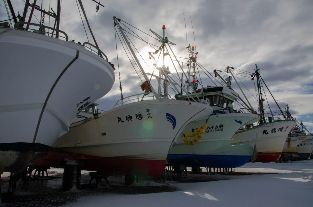 雪・船・カモメ