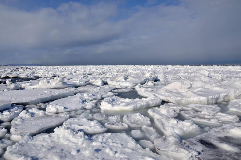 北海道網走市で流氷接岸初日