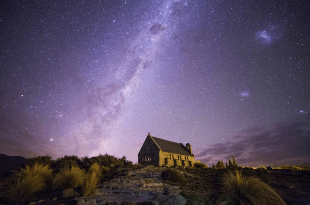 """出典:「星景写真家が厳選!""""世界一美しい星空""""と呼ばれる「テカポ湖」のおすすめ動画」"""